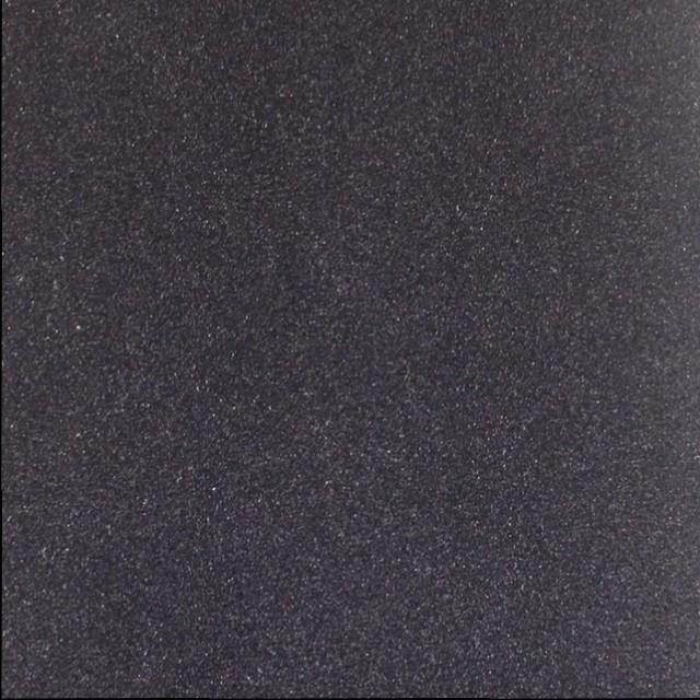 Noir 15 (V)